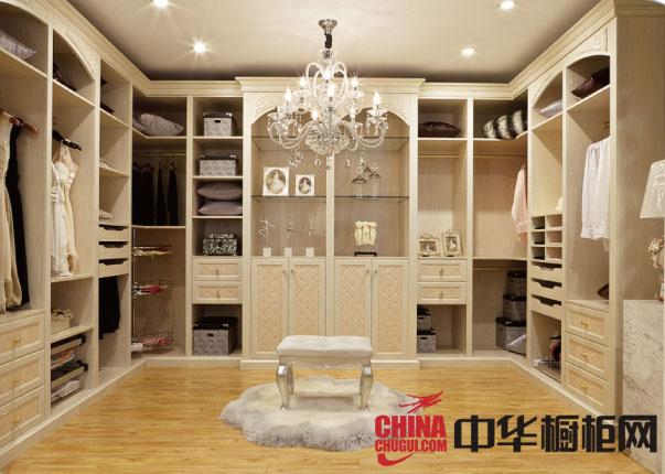 时尚步入式衣帽间设计 卧室衣柜装修效果图