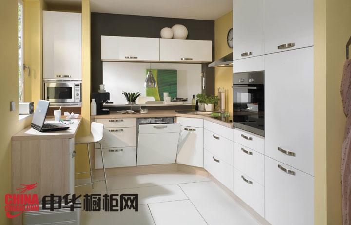 时尚U型橱柜设计效果图 小空间厨房的心头好