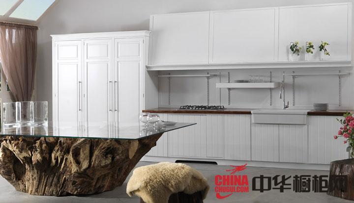 简欧风格整体橱柜设计效果图 打造温馨小户型厨房空间