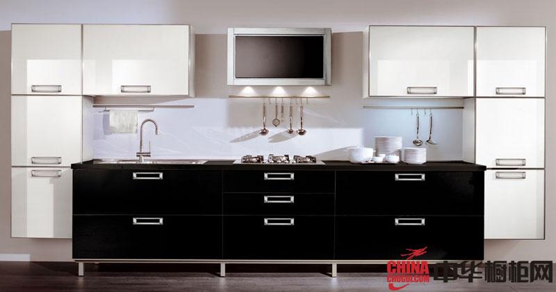 黑色烤漆橱柜图片 一字型橱柜时尚动感