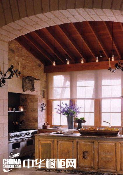 淳朴田园风格整体橱柜图片 让厨房的自然气息更浓郁