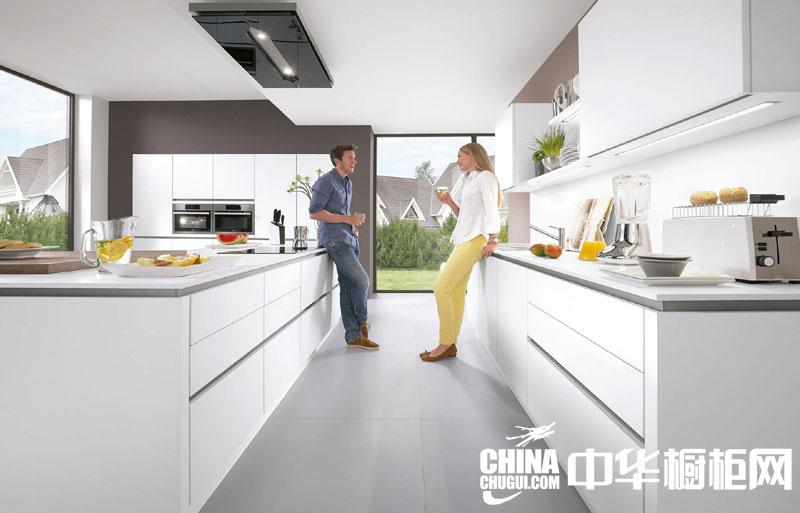 个性,不错的装饰效果带给你不一样的震撼,这款厨房的整体装修样式艺术