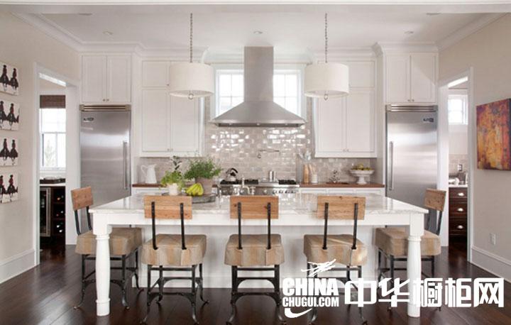 开放式厨房装修效果图 摩登时尚的温馨住宅