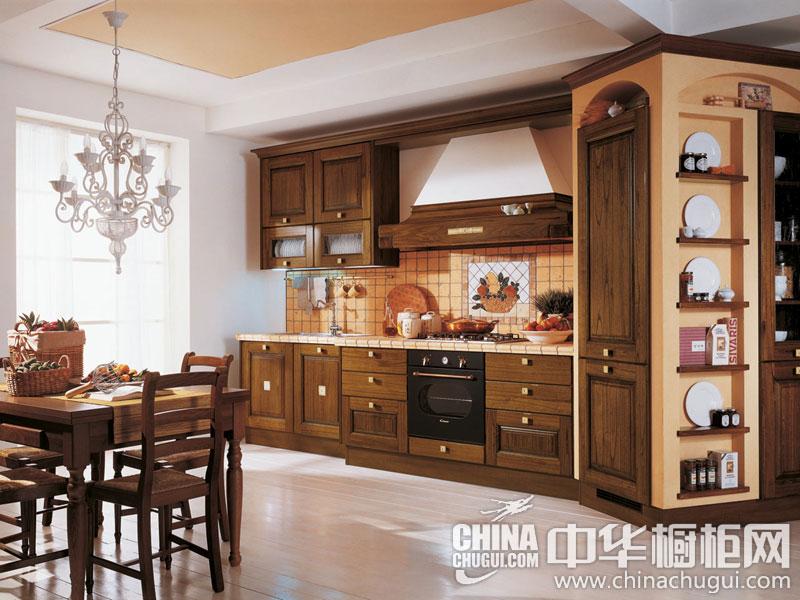 欧式古典整体橱柜效果图 营造尊贵典雅的厨房生活