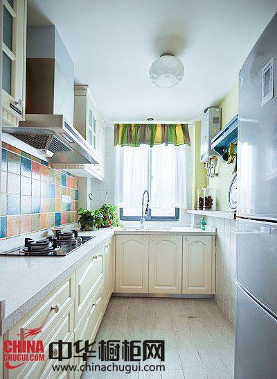 时尚瓷砖装饰 营造舒适厨房空间
