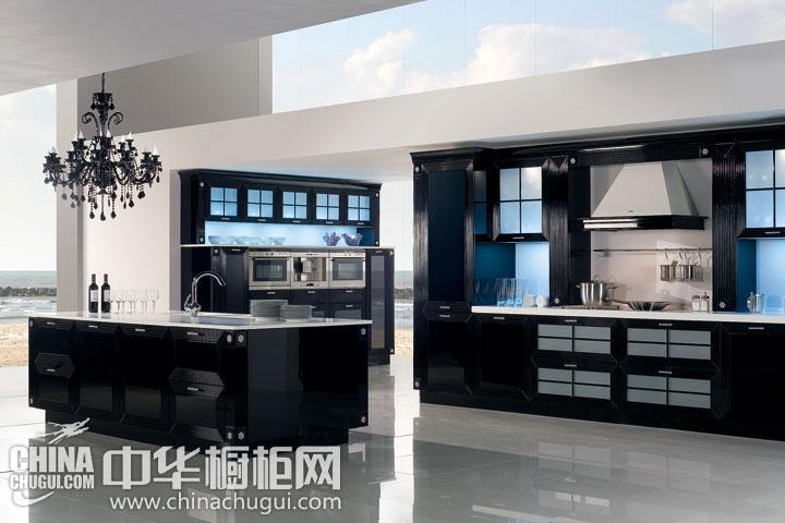 欧式黑色整体橱柜效果图 打造经典的黑白印象