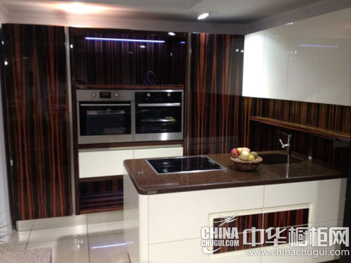 小户型厨房装修效果图 厨房也要率性而为