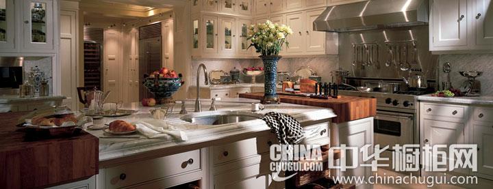 田园风格整体橱柜图片 打造厨房自然清新气质