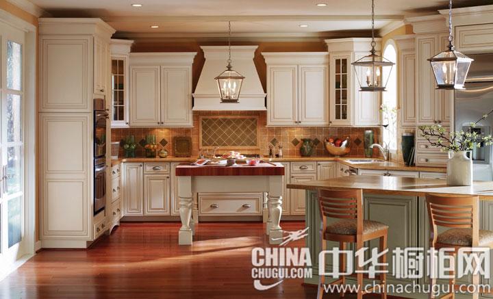 欧式风格整体橱柜图片 暖意融融的冬日厨房