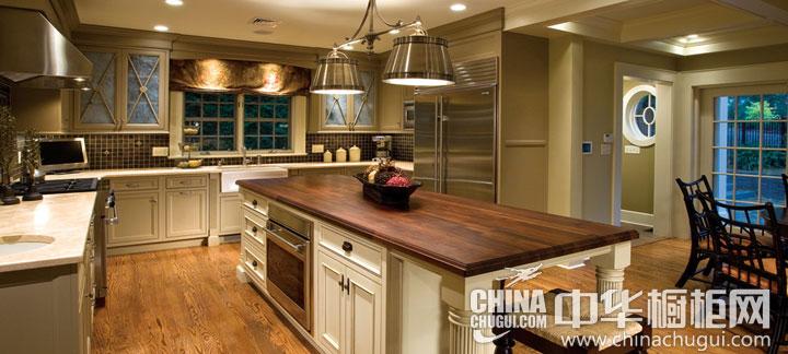 现代欧式风格橱柜图片 融入现代元素的华美厨房
