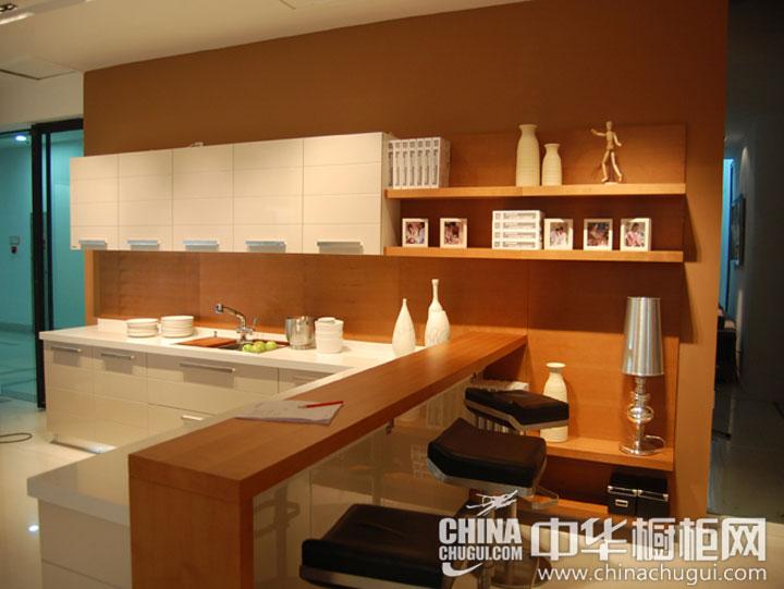 暖色调厨房装修图片 打造温馨氛围