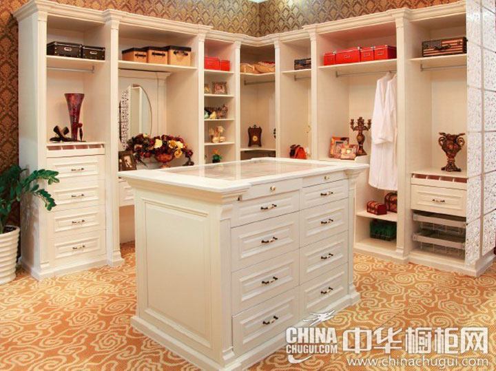 简欧风格衣柜设计图  演绎纯白浪漫的时尚风:欧式卧房衣柜设计图