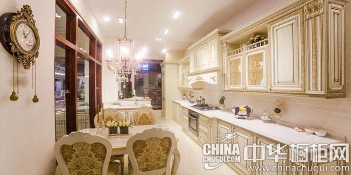 华美欧式风格厨房装修效果图 尽显奢华的皇室风情