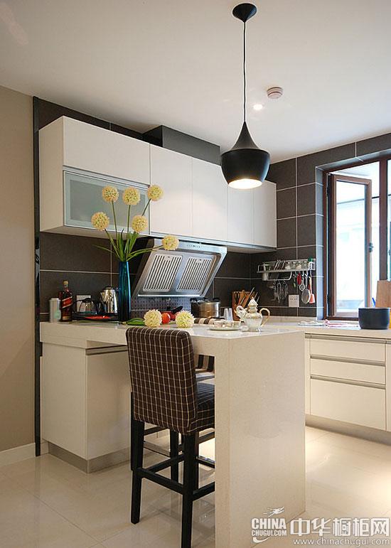 半开放式厨房橱柜吧台设计 增添生活情趣