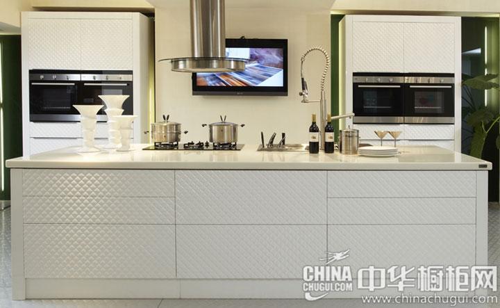 金属烤漆整体橱柜图片 绿色环保的家居生活