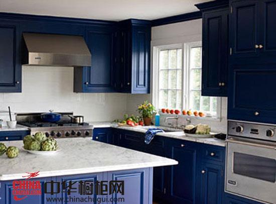 中华橱柜网】厨房的设计千篇一律未免显得太没有创意,跳脱出常规,厨房