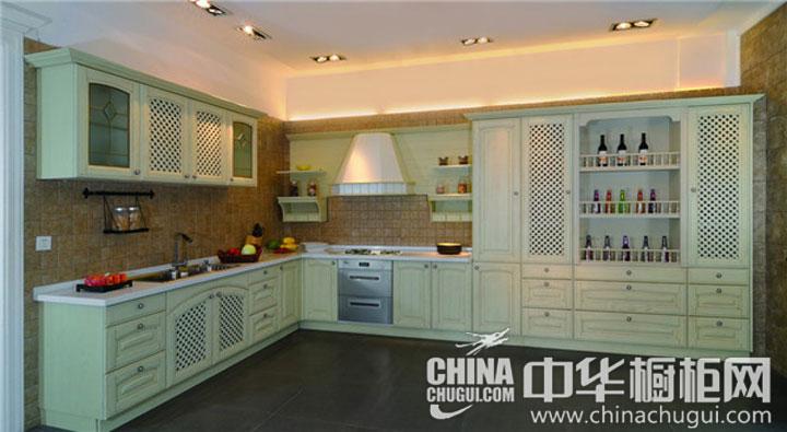 田园风格厨房装修效果图 浅绿色橱柜图片