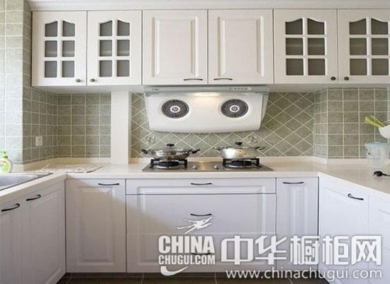 优雅的白色欧式橱柜 厨房的圆润雅致之美