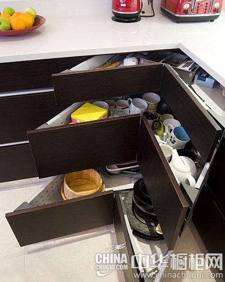 推拉之間盡收廚房物品 巧妙的櫥柜抽屜設計案例
