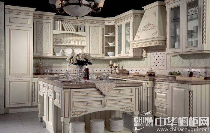 欧式风格整体橱柜效果图 细致的雕花设计