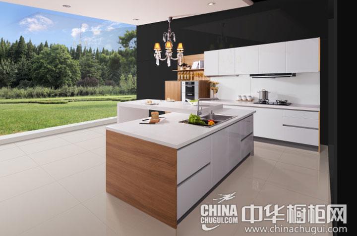 开放式厨房装修效果图 简约风格的精华:简洁实用是本个开房睡厨房装修效果图最大的特点,现代年轻人越来越偏向于简约风格,该款整体橱柜效果图就是简约风格的代表,经久耐看,简洁舒适,简约而不简单。该... --> 开放式厨房装修效果图 简约风格的精华:简洁实用是本个开房睡厨房装修效果图最大的特点,现代年轻人越来越偏向于简约风格,该款整体橱柜效果图就是简约风格的代表,经久耐看,简洁舒适,简约而不简单。该整体橱柜的细节设计让人耳目一新,凸显了简约风格的精华所在。