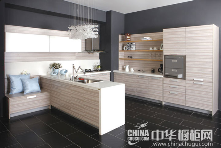 清新的木纹橱柜 厨房装修效果图