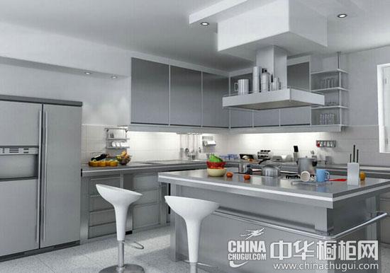 中岛的台面设计像是一面镜面玻璃,映射出厨房的构造.