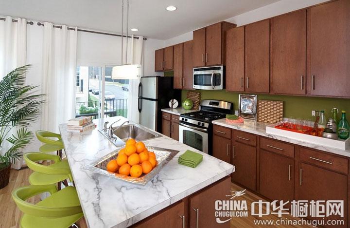 岛型厨房装修效果图 展现自我的风采-厨房装修效果图橱柜装修效果图
