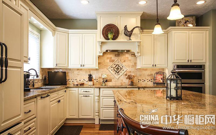欧式岛型橱柜效果图 厨房空间无比宽敞