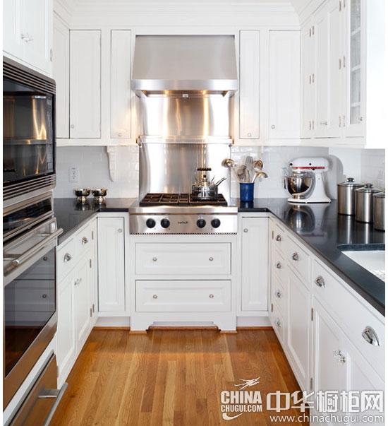 【小厨房装修案例一】 橱柜的岛台作为临时就餐区和盥洗台,用不锈钢