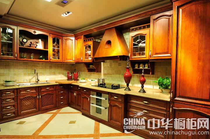 有序又不乏情趣 歐式風格櫥柜圖片: 廚房裝修效果圖富有層次,為各種