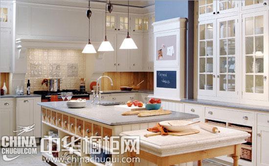 实用中岛台橱柜 让厨房生活一切很美好