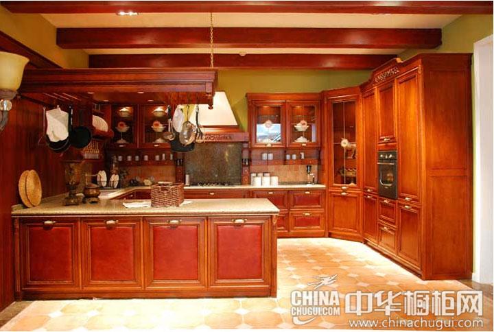 安逸祥和的舒适 古典风格整体橱柜效果图