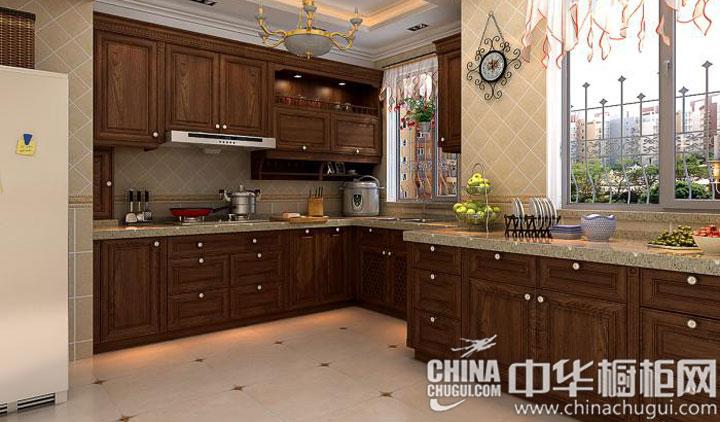木质色调沉稳润泽 古典风格整体橱柜图片