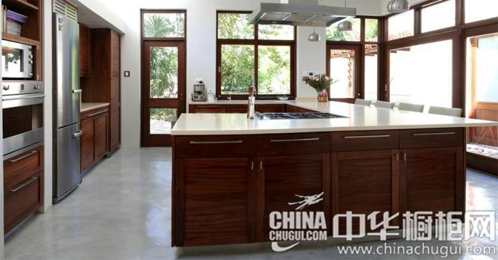 合围型岛台的设计 东南亚风格橱柜图片
