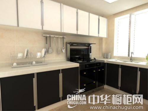 吊柜与黑色厨柜一字型排开设计,在视觉上产生强烈的冲击力,这样的厨房