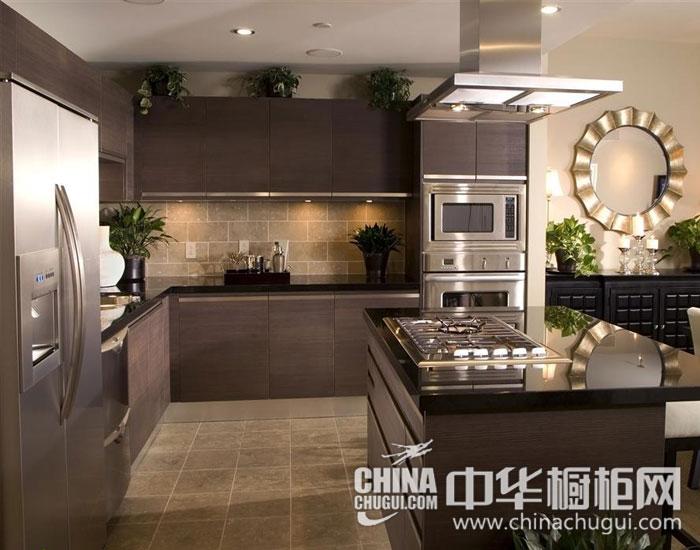 厨房里的灵动色调 现代简约橱柜效果图