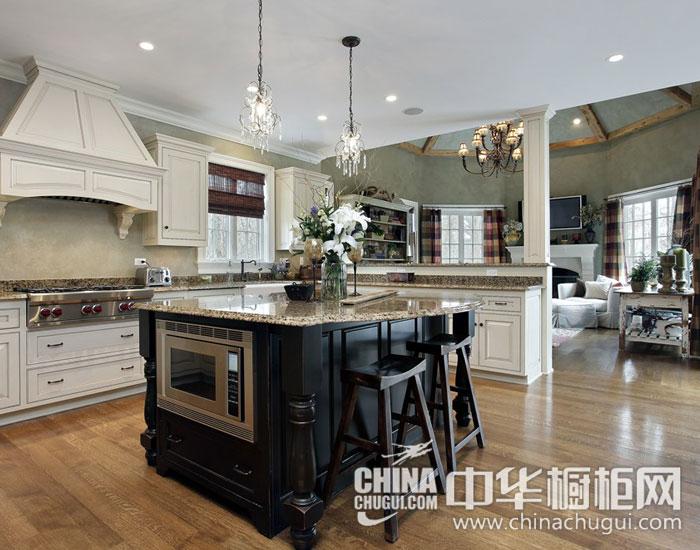 欧式别墅厨房装修效果图 成功人士的低调奢华