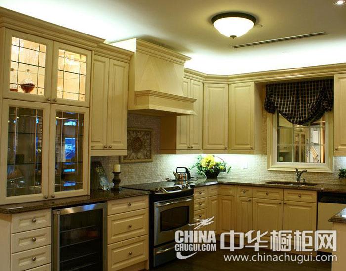 欧式橱柜效果图 木质厨房尽显田园风格