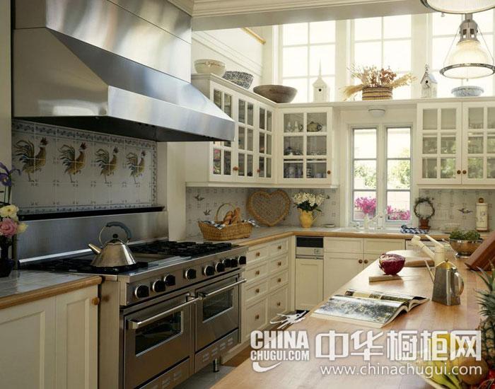 欧式橱柜效果图  温馨田园家庭厨房