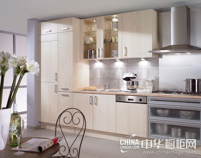 现代简约橱柜图片 简约敞亮的厨房空间