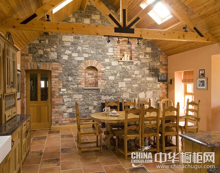 美式乡村复古厨房装修图片 不起眼却足够实用