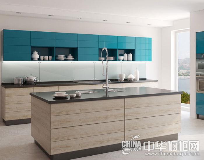 明亮精致现代厨房 现代简约橱柜图片