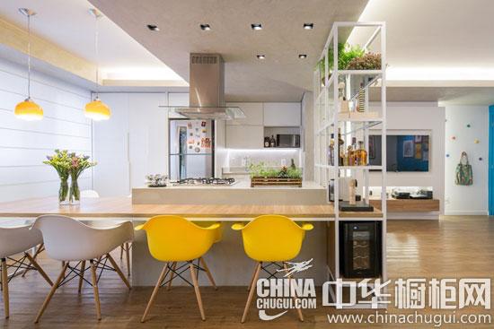波普艺术风厨房装修 岛台橱柜提供惬意的烹饪自由