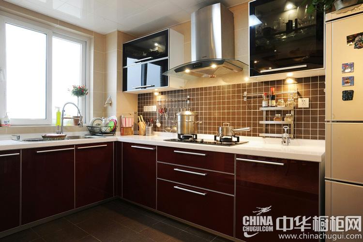 现代风格厨房装修效果图 操作方便功能强大