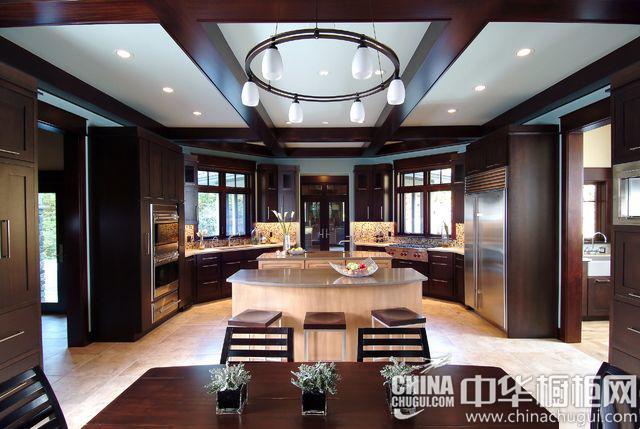开放式厨房装修效果图 从细长角度展开生活空间