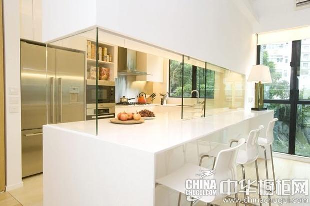 极简风格整体橱柜图片 可视的推拉式玻璃隔断