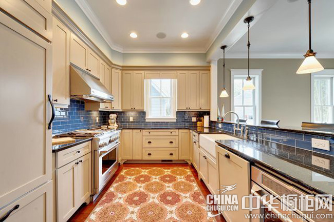 暖色系厨房装修效果图 简欧系列整体橱柜