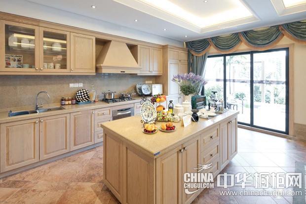 美式乡村风格厨房图片 米色橱柜打造厨房自然格调