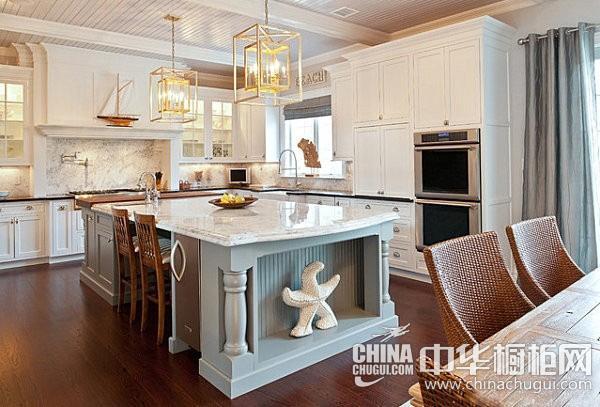 欧式古典风格厨房图片 白色基调创造整洁的视觉效果